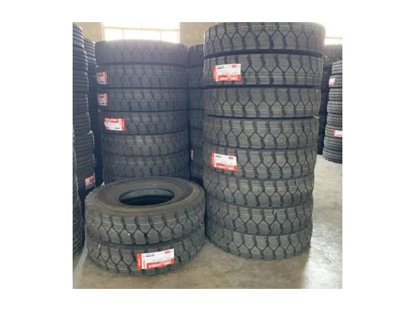 加厚三线中花大花11.00r20自卸车轮胎12.00R20轮胎